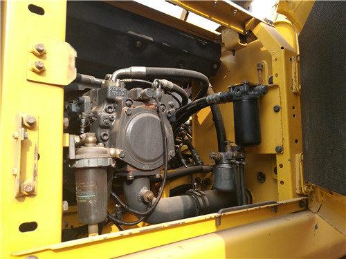 二手小松160挖掘机市场出售信息液压泵