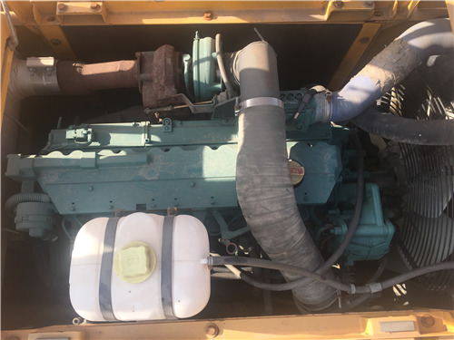 沃尔沃240二手挖掘机出售信息发动机