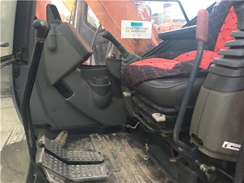 日立70二手挖掘机出售信息驾驶室