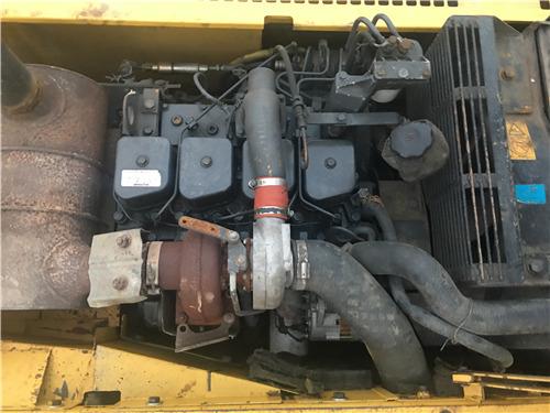 二手小松120-6E挖掘机出售信息发动机