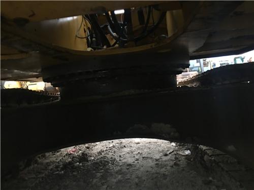 二手小松120-6E挖掘机出售信息转盘