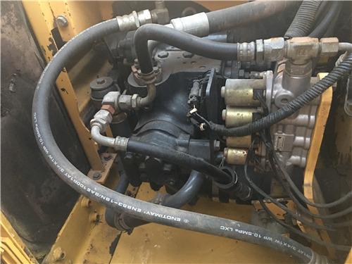 二手小松120-6EO挖掘机市场转让液压泵