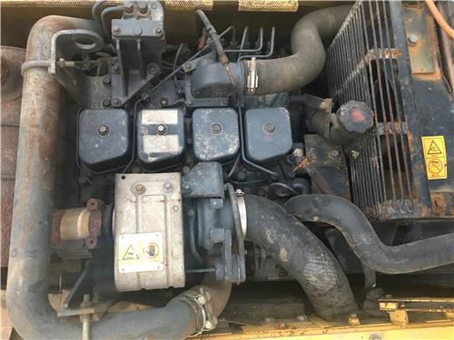 二手小松120-6EO挖掘机市场转让发动机