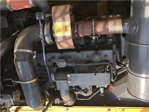 进口小松350挖掘机二手市场发动机
