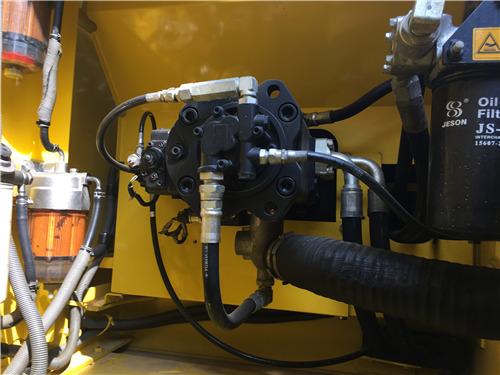 进口二手神钢350挖掘机出售信息液压泵