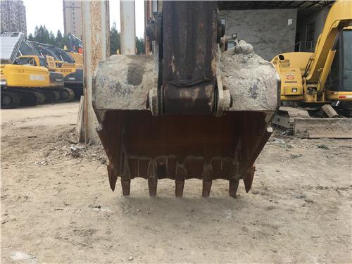 神钢SK260二手挖掘機市場出售挖斗