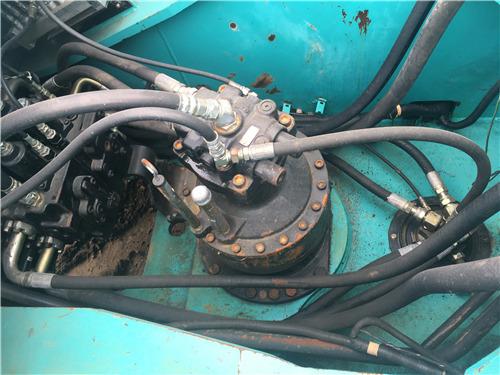神鋼SK260二手挖掘機市場出售分配器