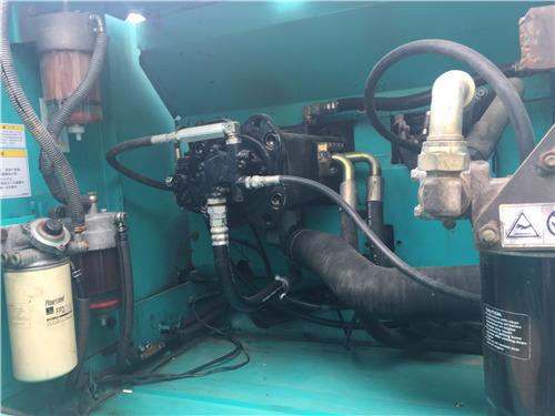 神钢260超8二手挖掘机转让信息液压泵