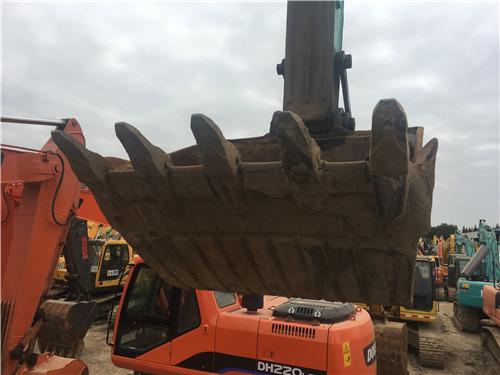 神鋼260-8轉讓二手挖掘機市場挖斗