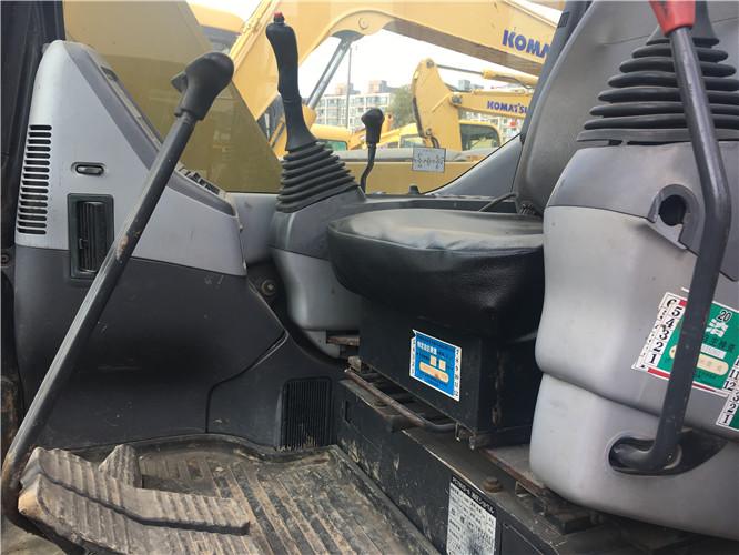 小松78US无尾二手小挖机出售驾驶室