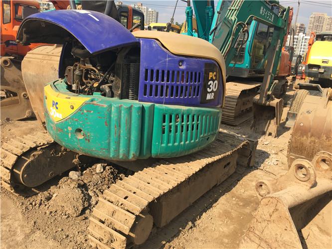 小松PC30二手农用小型挖掘机图片