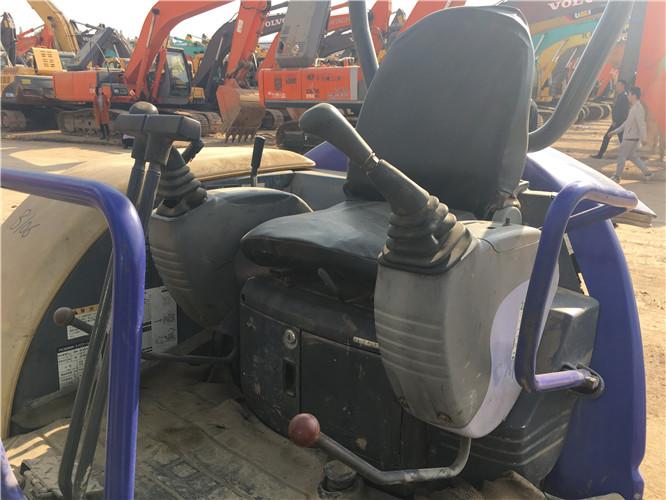 小松PC30二手农用小型挖掘机驾驶室