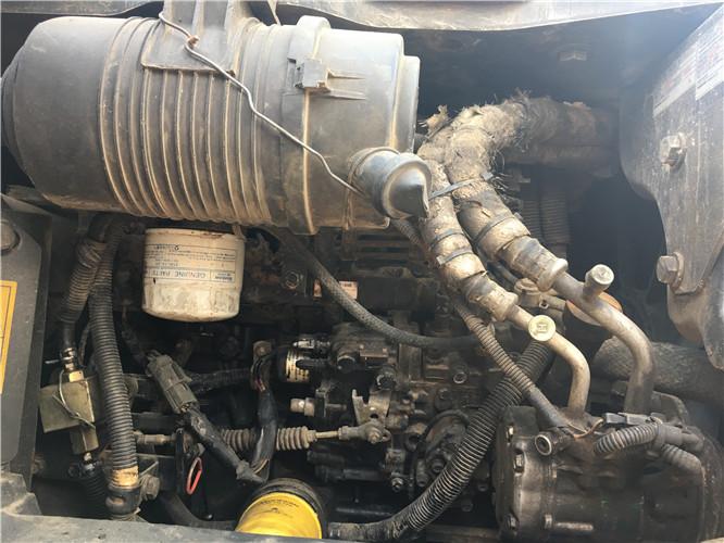 小松PC55无尾二手小挖机出售发动机