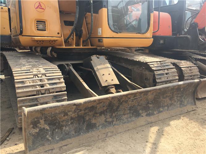 三一SY75国产小型挖掘机转让正面细节