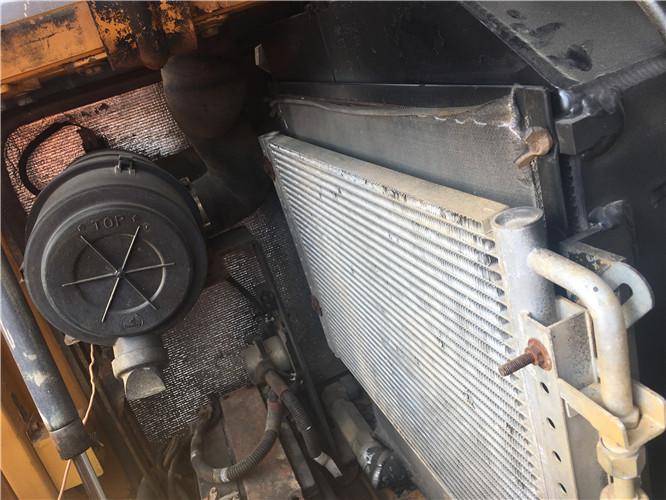 三一SY75国产小型挖掘机转让冷凝器