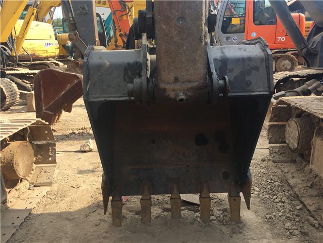 私人三一75C国产小挖掘机转让挖斗