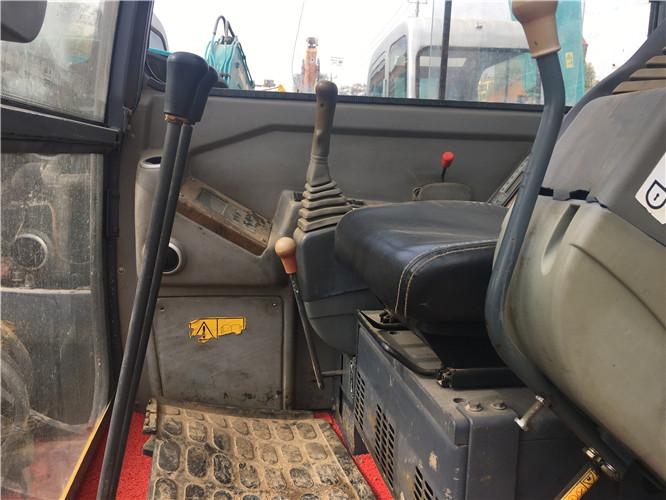 玉柴YC50-8国产二手挖掘机驾驶室