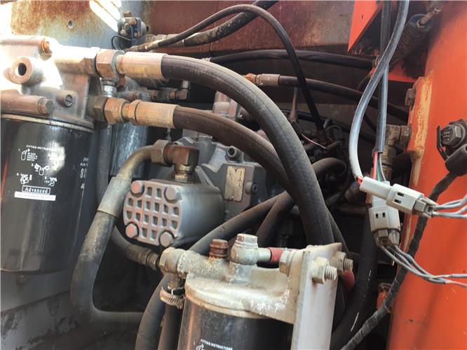 日立ZX120二手挖掘机市场出售液压泵