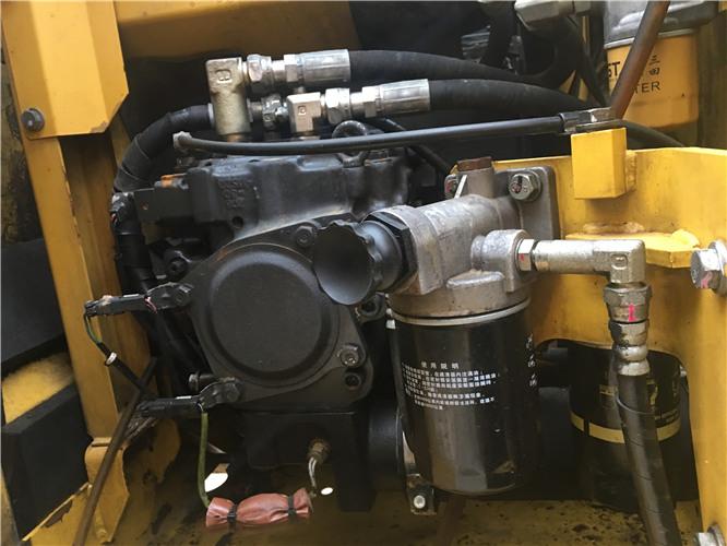 二手小松120-8挖掘机市场出售液压泵