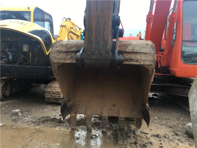 私人沃尔沃EC210BLC二手挖掘机出售挖斗