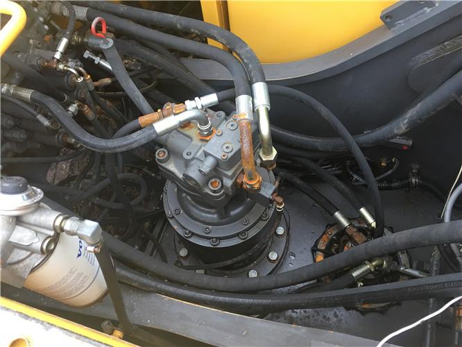 私人沃尔沃EC210BLC二手挖掘机出售分配器