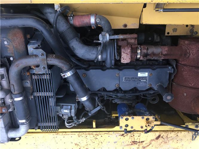 小松PC220-8个人二手挖机出售发动机