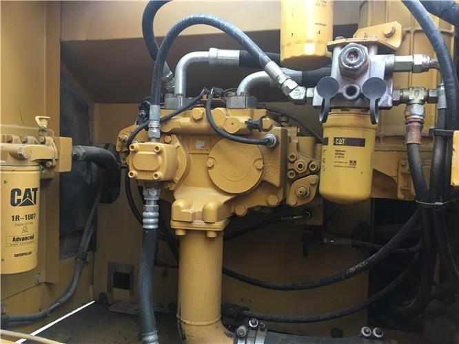 卡特326D個人二手挖掘機出售液壓泵