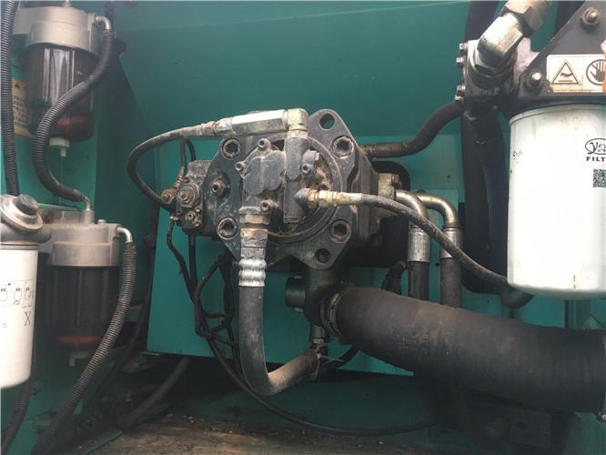 二手神钢350私人二手挖掘機液压泵