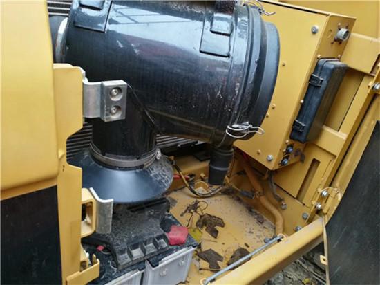 进口卡特325C二手挖掘机转让冷凝器