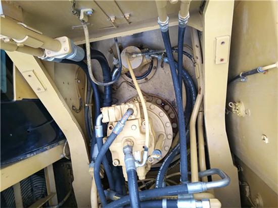 进口卡特325C二手挖掘机转让分配器