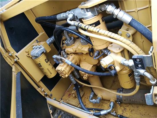 进口卡特325C二手挖掘机转让液压泵