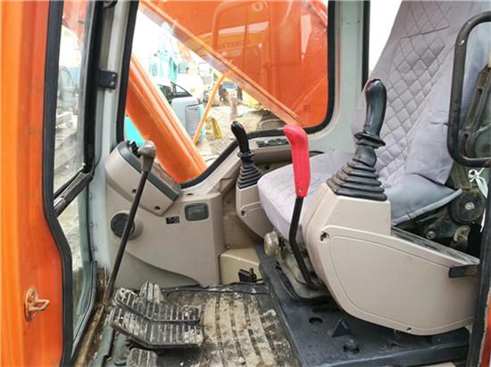 私人斗山DH215-9二手挖掘機轉讓駕駛室
