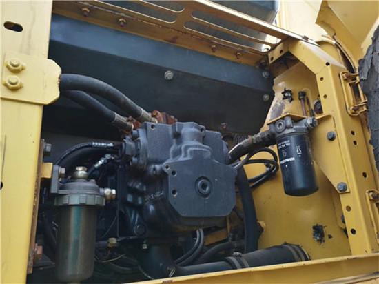 私人小松PC270-7二手挖掘机转让液压泵