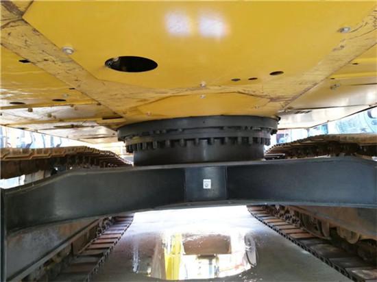 日立进口卡特320D二手挖掘机底盘