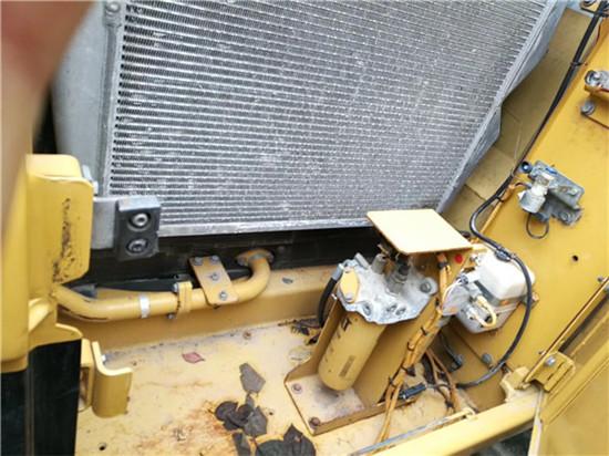 卡特324D海關二手挖掘機轉讓冷凝器