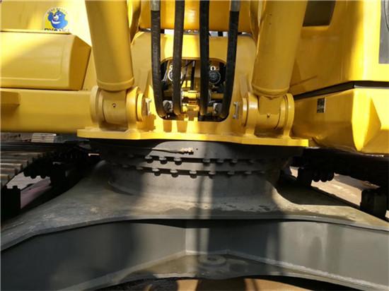 进口小松PC350-7二手挖掘机转让底盘