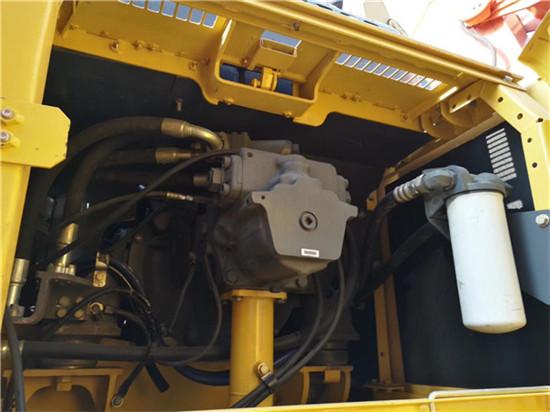 进口小松PC350-7二手挖掘机转让液压泵