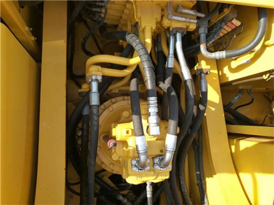 进口小松PC350-7二手挖掘机转让分配器