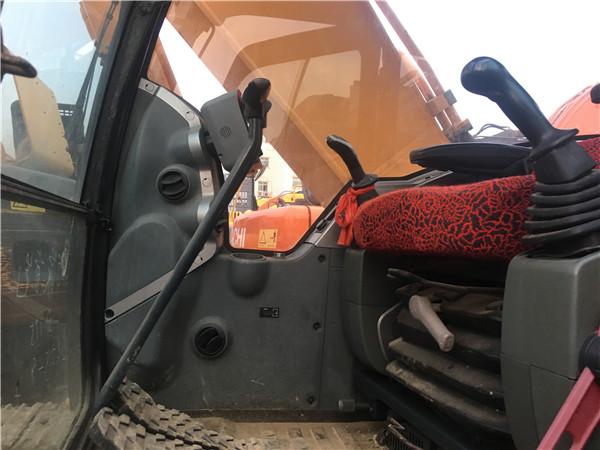 二手現代225-9V挖掘機轉讓信息駕駛室