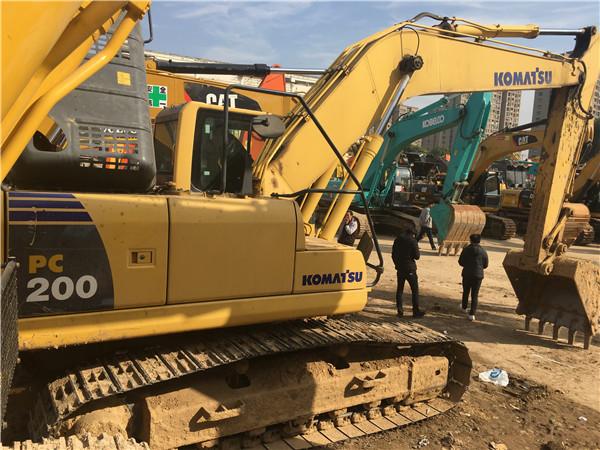 私人二手小松PC200-8挖掘机出售图片
