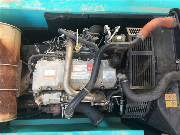 进口神钢SK210-12二手挖掘机出售发动机