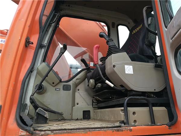 斗山370-9二手挖掘機轉讓信息駕駛室