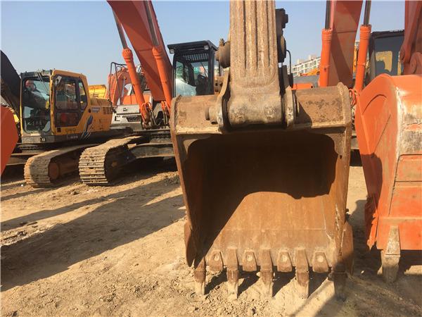 二手小松200-8挖掘机市场出售挖斗