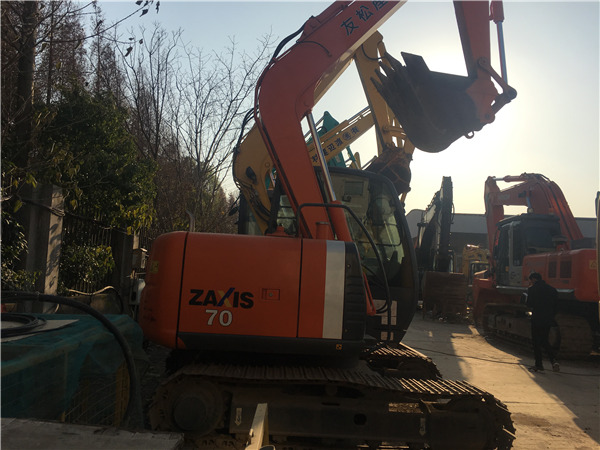 日立ZX70进口二手挖掘机出售图片