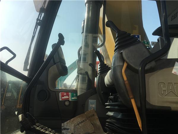 进口卡特336D二手挖掘机出售信息驾驶室