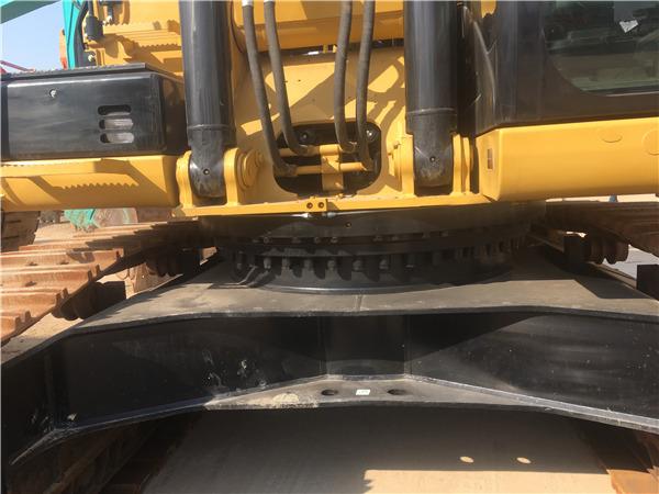 进口卡特336D二手挖掘机出售信息底盘