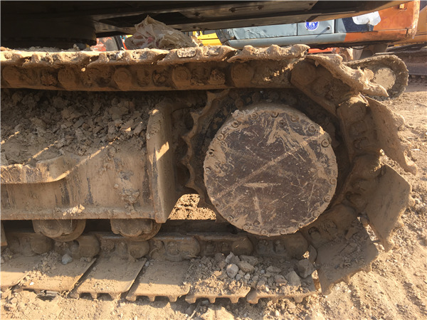 二手沃尔沃210b挖掘机出售履带