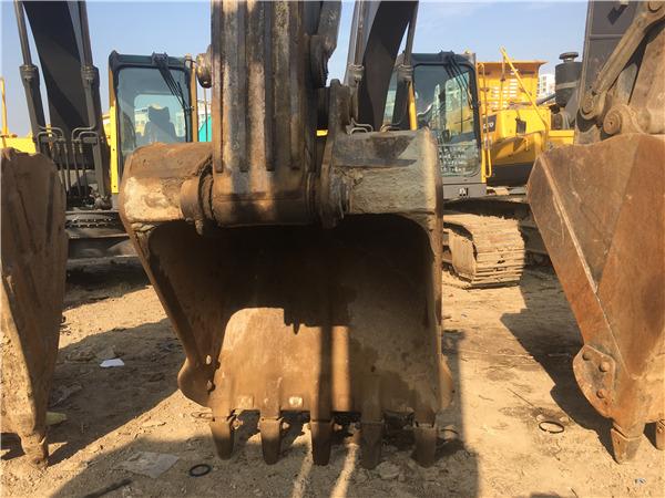 二手沃尔沃210b挖掘机出售挖斗