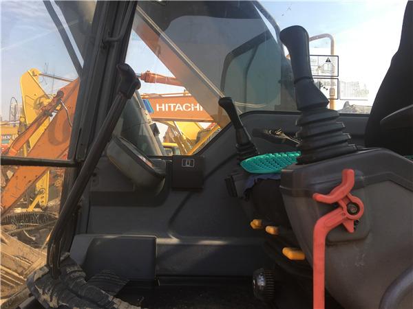 二手沃尔沃210b挖掘机出售驾驶室