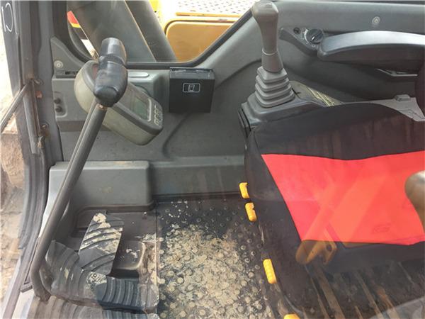二手210沃尔沃挖机市场出售信息驾驶室